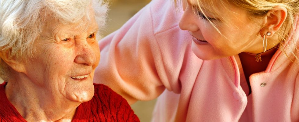 Des solutions innocentes pour l'aide à domicile Au-delà de la santé physique due à l'activité antérieure de la personne, la santé psychologique peut se trouver fragilisée du fait de l'isolement, la baisse d'activités et de liens sociaux.